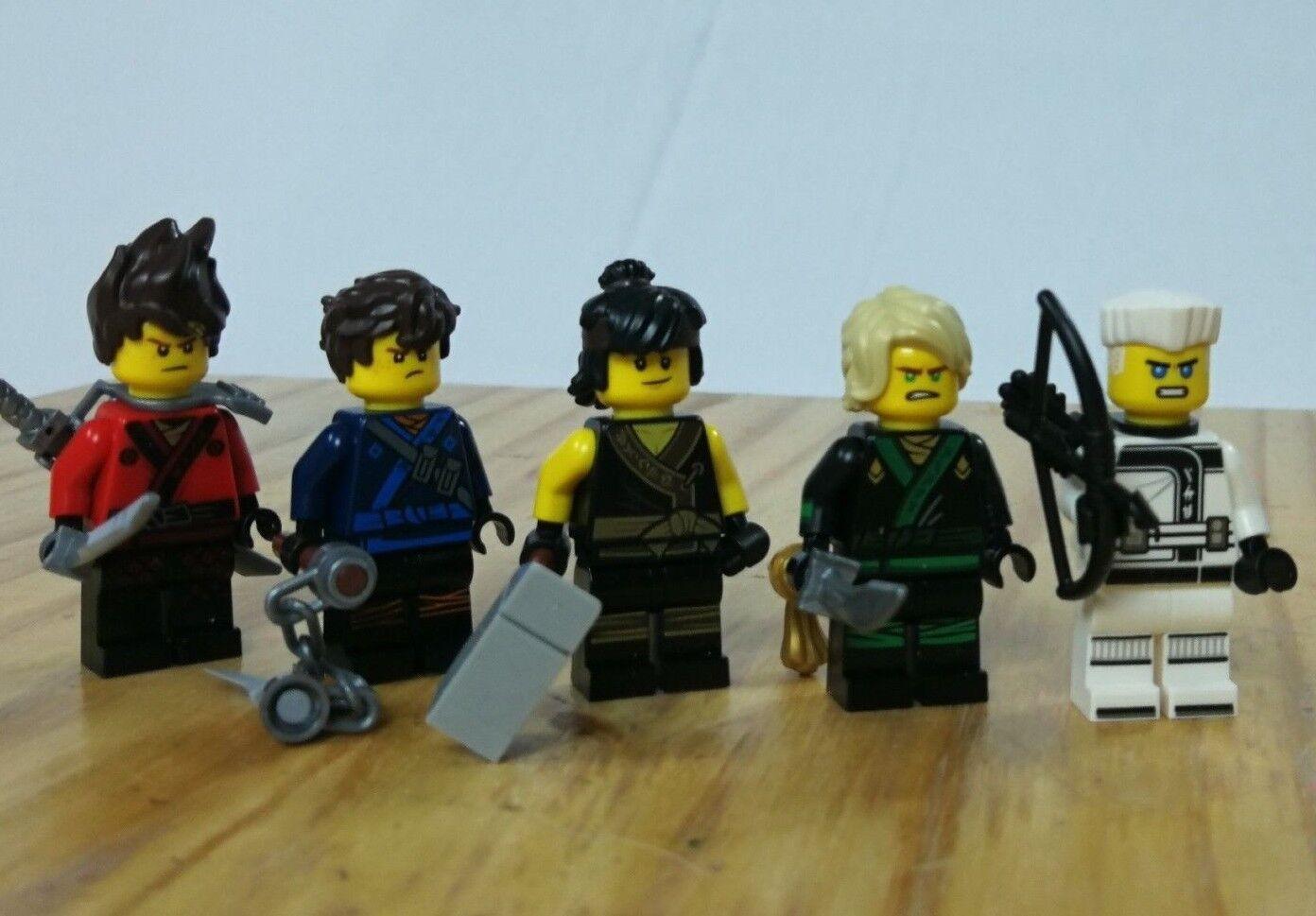 Lego Ninjago Movie  squadra of 5 Authentic Zane Cole Kai Lloyd Jay  stanno facendo attività di sconto