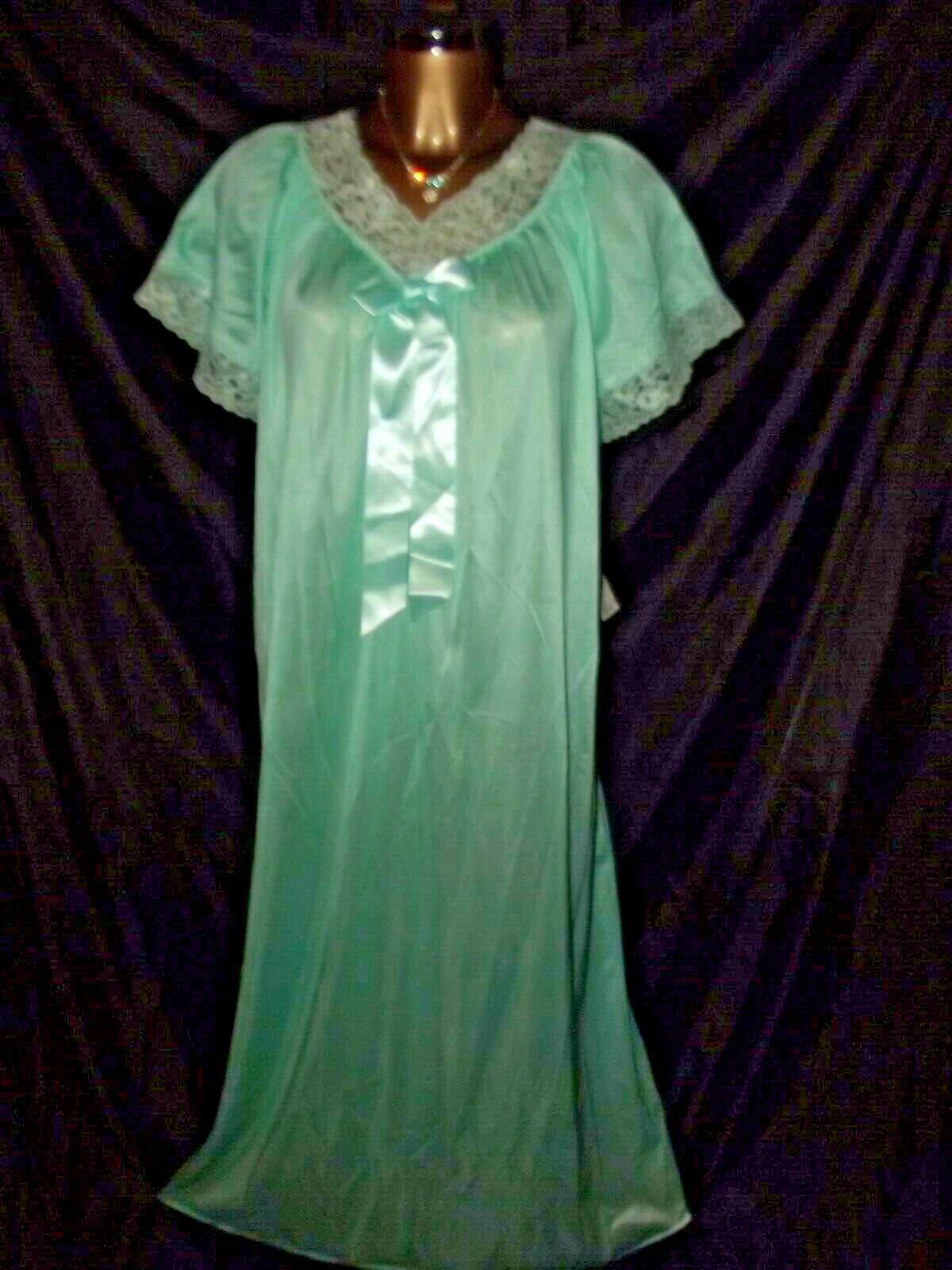 NEW MINT GREEN TRIANGLE NYLON NIGHTGOWN SIZE MED