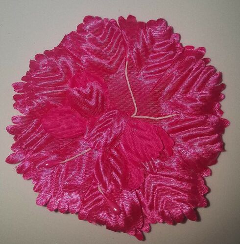 """Pack of 12 Carnation Flower Back Chest Favor Corsage Flat 3/"""" Diameter Capia"""