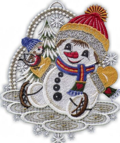 Fensterbild Schneemann mit Schlittschuhen aus Plauener Spitze Winterdeko