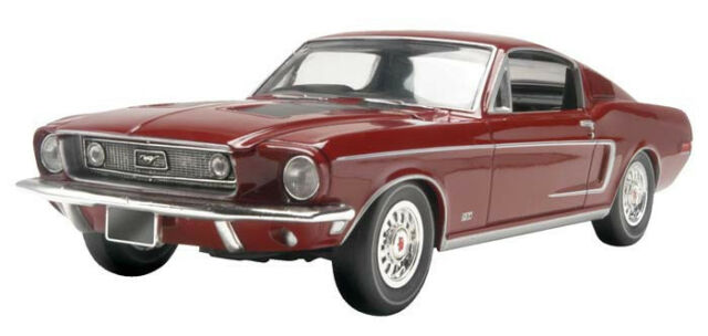 Revell '68 Ford Mustang GT 2 'n 1 1/25 scale model car kit new 4215