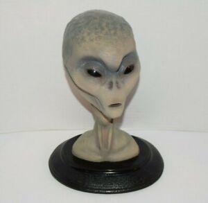 The-Grey-Real-Alien-Bust-Statue-Bear-Den-Ltd-Resin-UFO-First-Edition-Gray