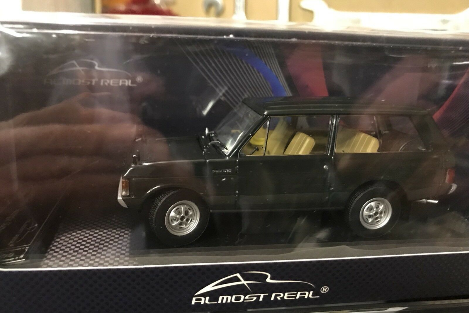 Almost Real Dark verde Range Rover  limited edition model