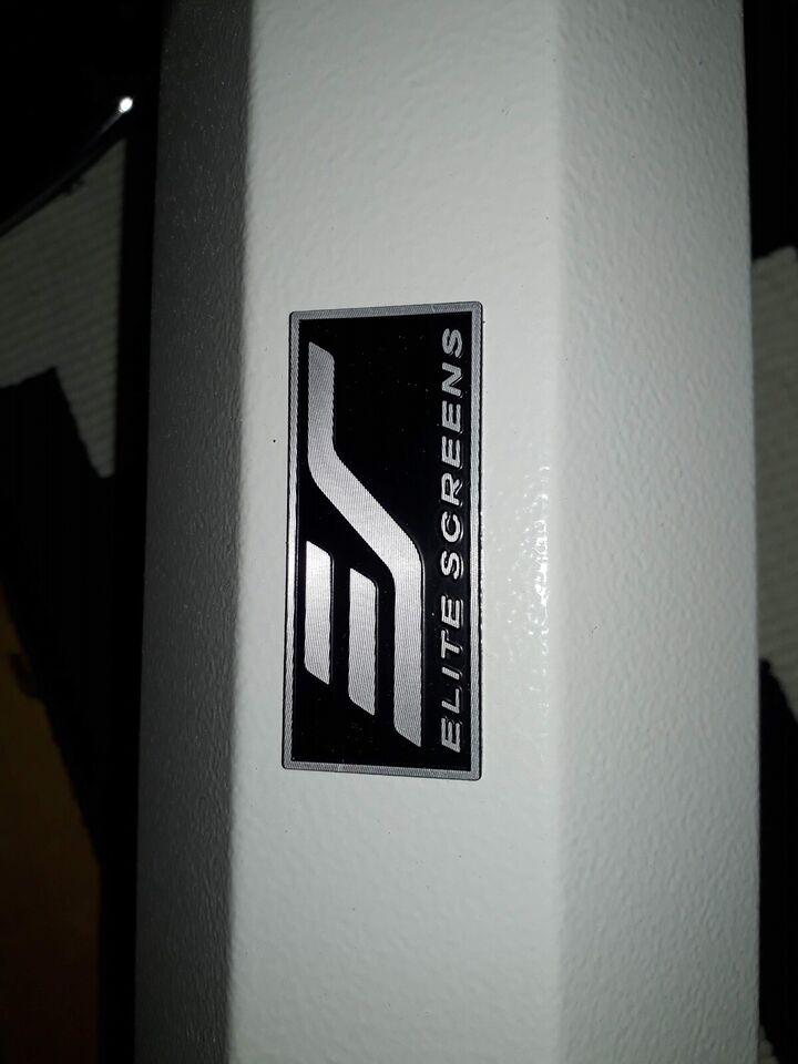 Lærred, Elite Screens, Manual Series M135XWH2