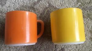 Vtg-Federal-F-Orange-And-Yellow-Milk-Glass-Coffee-Cup-Mug-Heat-Proof-D-Handle
