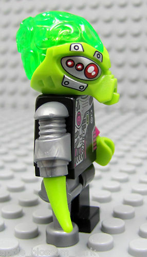 NEW Lego Alien Conquest Cyborg PIRATE VILLAIN Minifigure 7066 Green Minifig Head