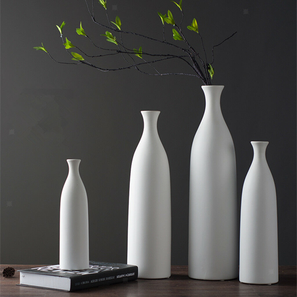 Decorative tall floor vase (white and ceramic)