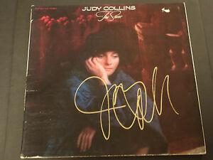 JUDY-COLLINS-SIGNED-AUTOGRAPHED-LP-RECORD-ALBUM-TRUE-STORIES-RARE