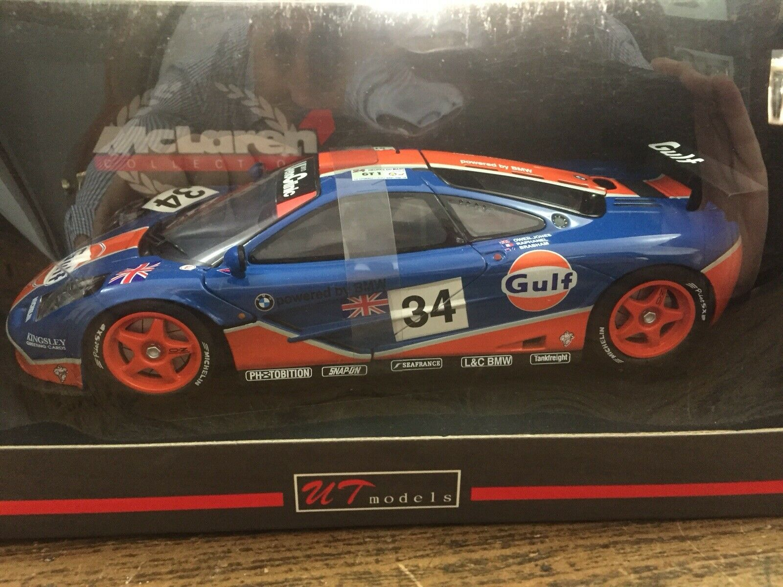 UT 1 18 39621 McLaren F1 GTR  34 Gulf Raphanel-Brabham-Owen J 24H Le Mans 1996