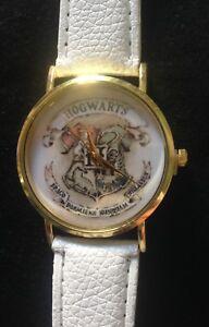 Montre-Blanc-HARRY-POTTER-POUDLARD-Hogwarts-NEUF-SOUS-BLISTER