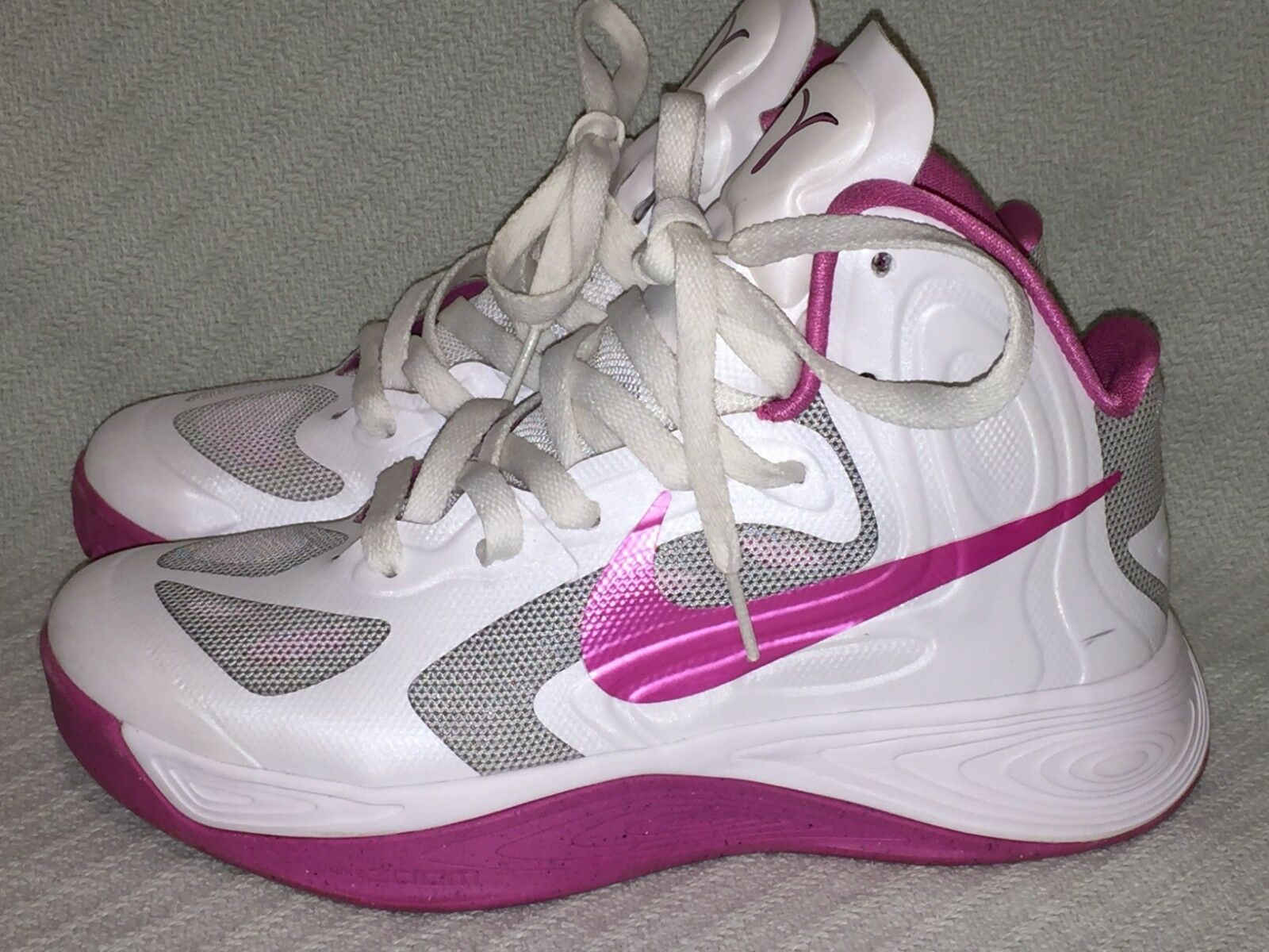 Ladies Size Size Size 6 RARE Breast Cancer Ribbon Nike Hyperfuse White Pink 525021-101 e8a2cd
