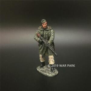 War-Park-Armored-Division-1-30-Soldier-Model-KH052-WWII-Collection-German-Gunner