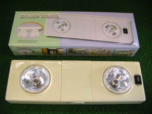 CAMPING DOPPEL SPOT LAMPE DRAHTLOS FLACH 2-STUFEN Hammerpreis!!