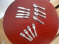 Dolls House Miniatures 1/12th Scale 12 Piece Sliver Cutlery Set D2282