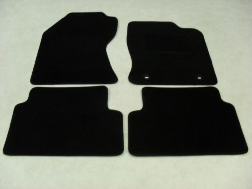 Ford Focus 1998-04 Fully Tailored Deluxe Car Mats in Black.
