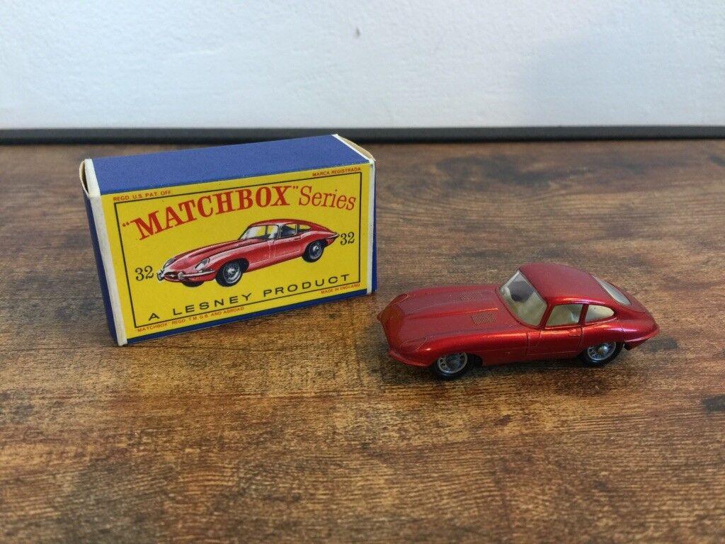Noël coloré LESNEY MATCHBOX MATCHBOX MATCHBOX Nº 32 JAGUAR E TYPE Black Wheels | Perpignan  0de2c0