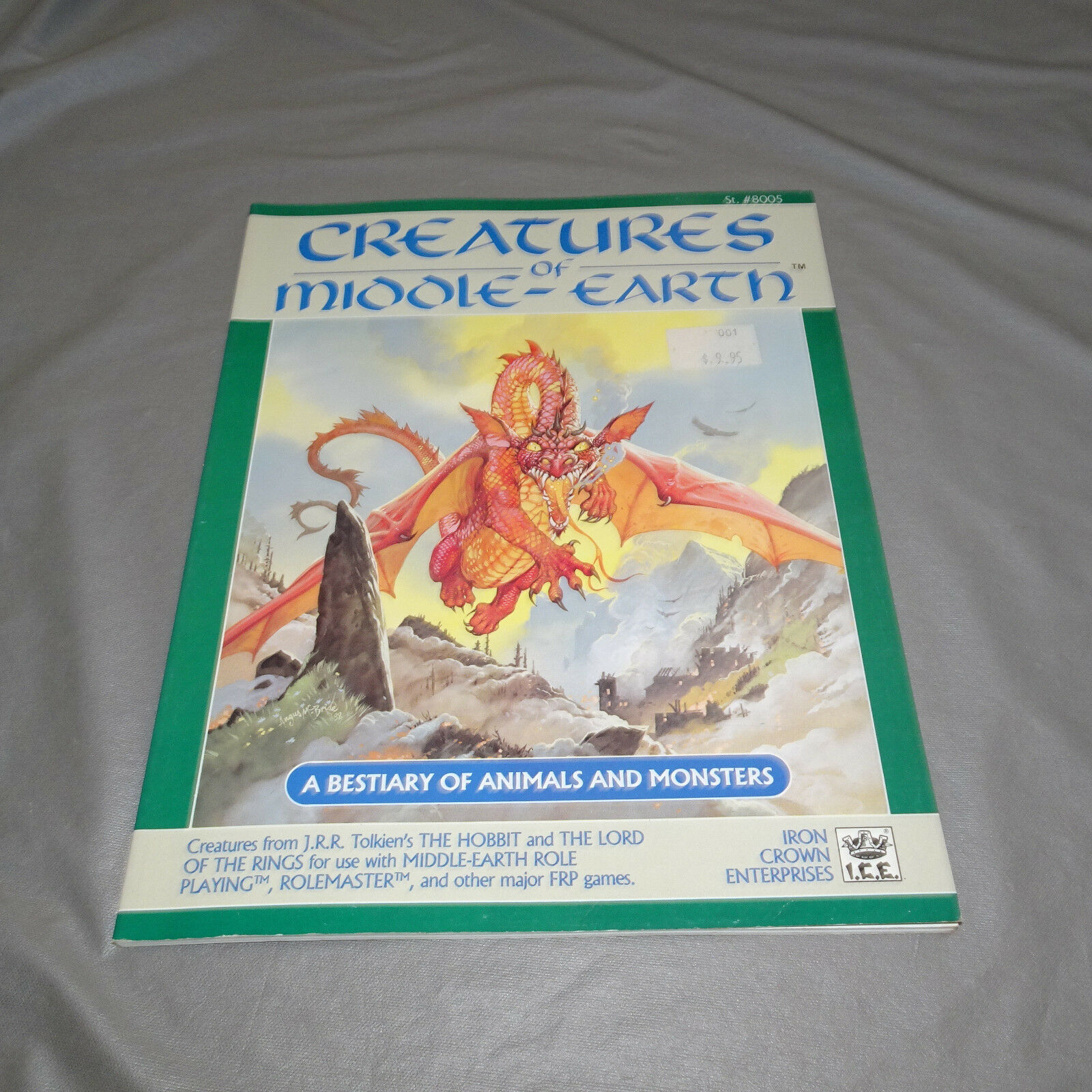 disfrutando de sus compras Criaturas de la tierra media un Besteiario Besteiario Besteiario de animales y monstruos 8005 I.C.E. - 1988  ventas de salida