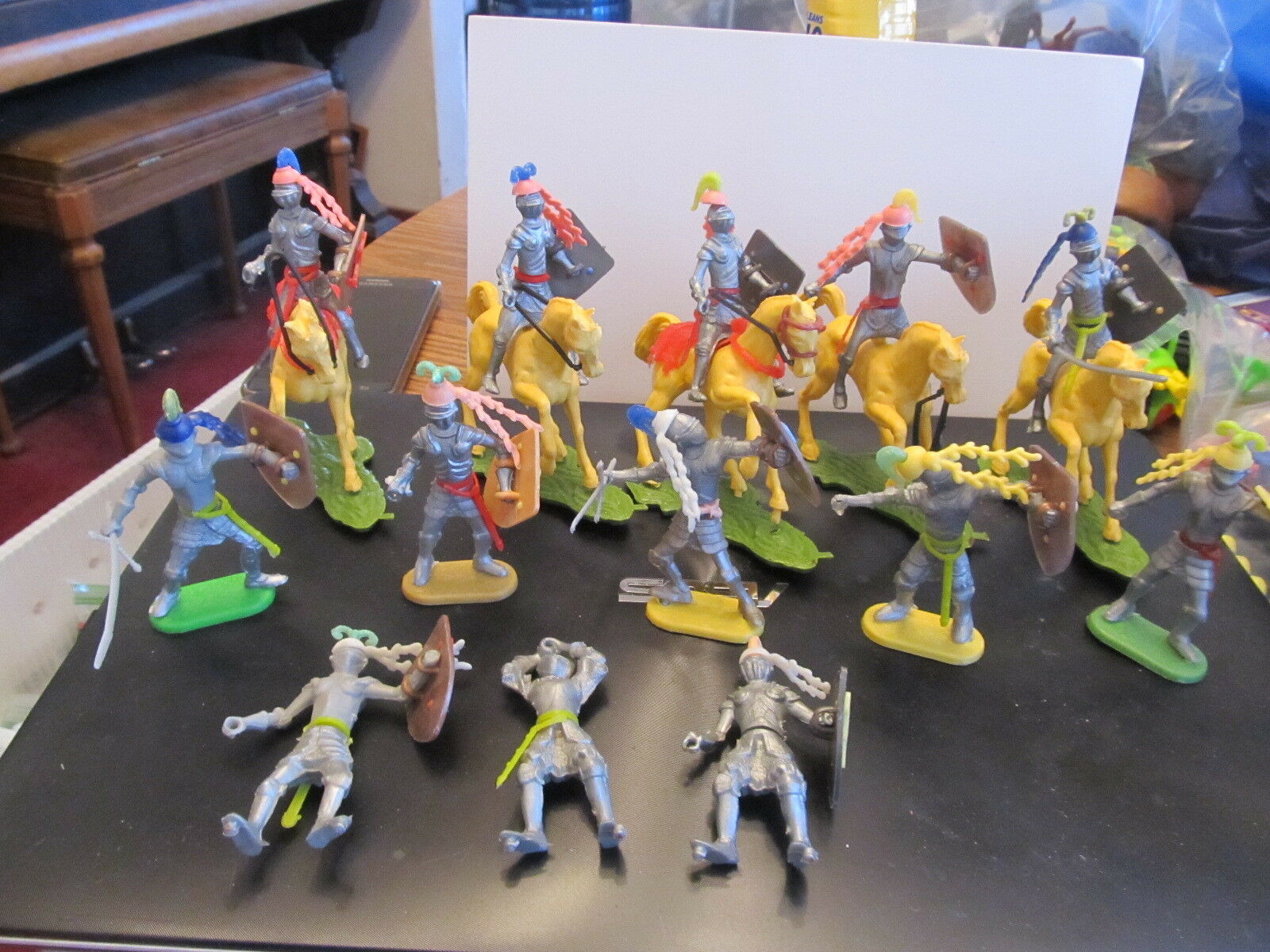 Vintage Britains Swoppet Knights with horses & accessories