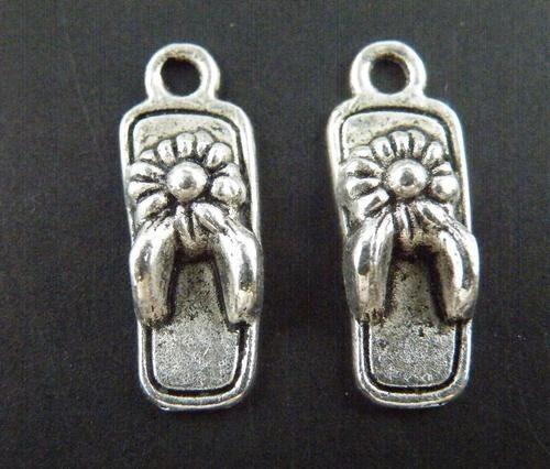 Lot 6//20//100pcs Tibetan Silver Celtic Knot Triquetra Charms Pendants DIY 29x28mm