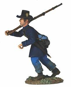 W-Britain-Federal-Iron-Brigade-Advancing-at-Right-Shoulder-No-5-31290
