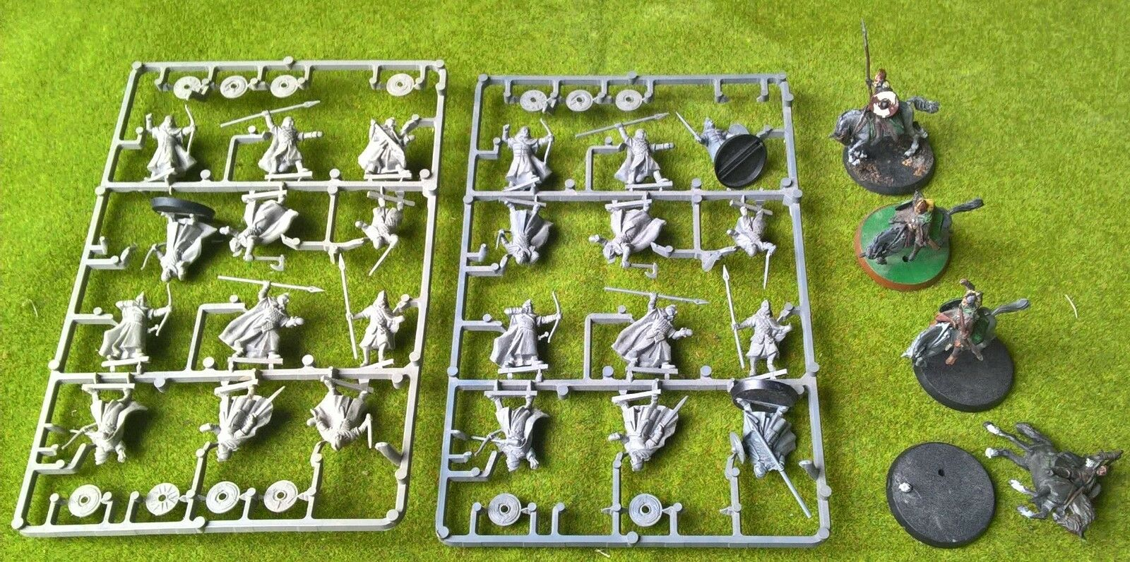 Warhammer - LOTR - 28x Warriors and Riders of Rohan - Exc Con Free Post