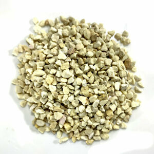 White gravel for terrariums and craft projects 4-6 MM 100g