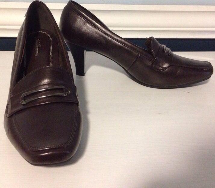 design unico John Romaine very soft and comfy heel pumps Sz 11 11 11 M  una marca di lusso