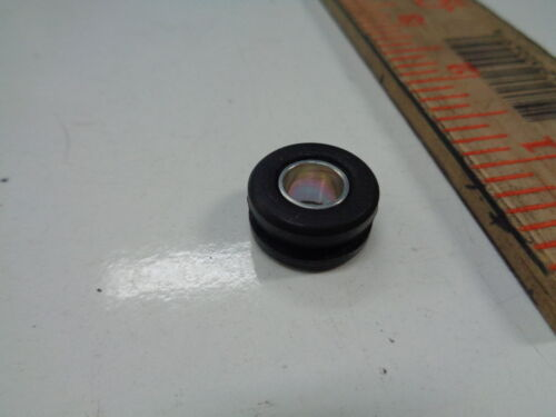 PORSCHE 944 TURBO 951 AIR FILTER HOUSING RUBBER MOUNT AND SLEEVE NEW GENUINE