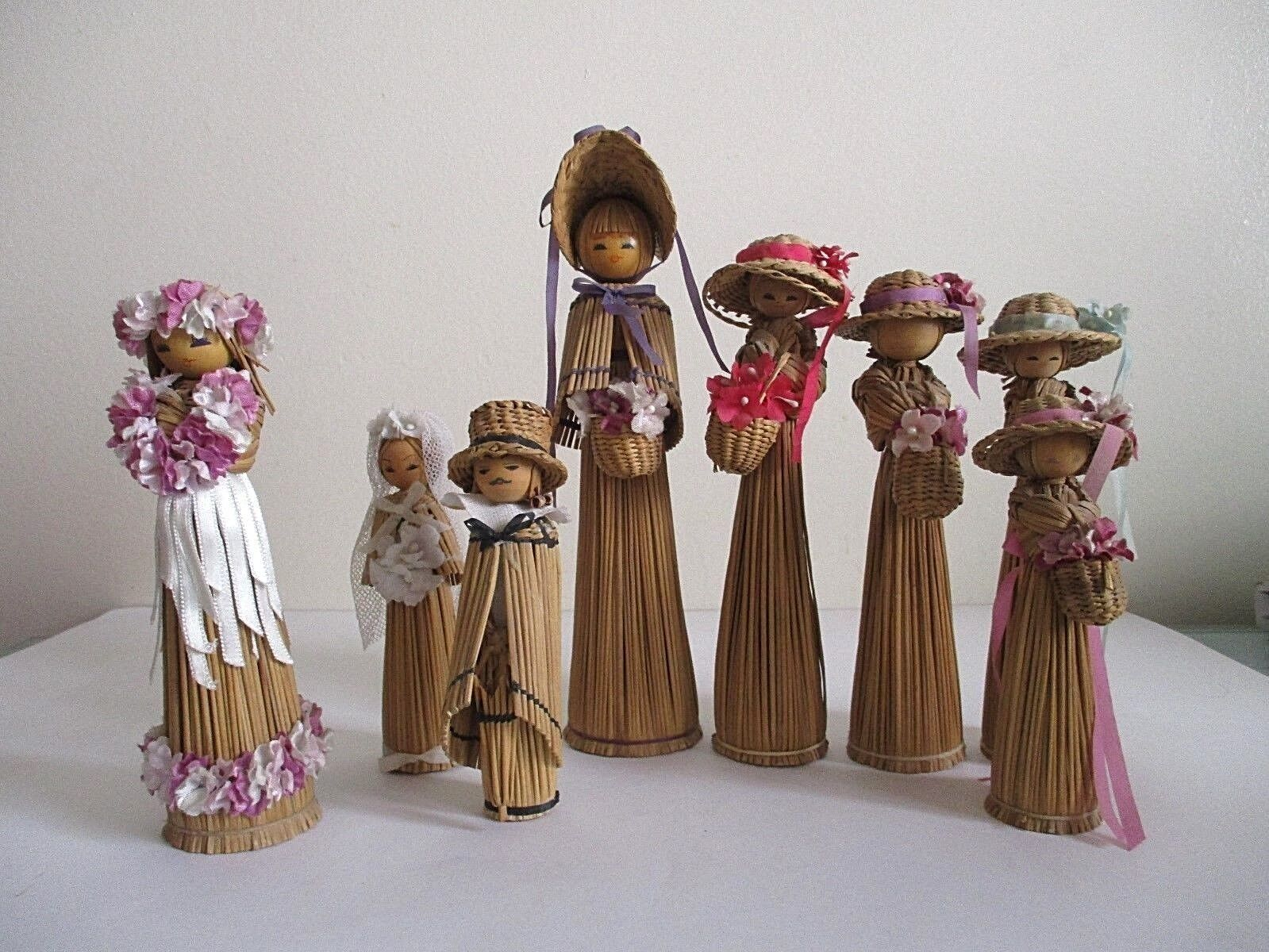 Vintage 1930 70's  Set of 8 Straw Dolls, Lithuanian,Korean ,Hawaiian,Philippines