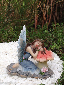 Miniature Figurine FAIRY GARDEN ~ Sleeping Blue Glitter Fairy on Mushroom ~ NEW