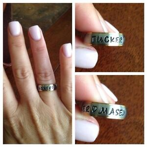 Stainless-Steel-6mm-Gold-Edged-Mother-039-s-Ring-Personalized-with-Childrens-Names