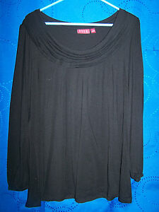 Womens-ELLE-Black-Long-Sleeve-Knit-Top-w-Tiered-Band-Neckline-Size-S