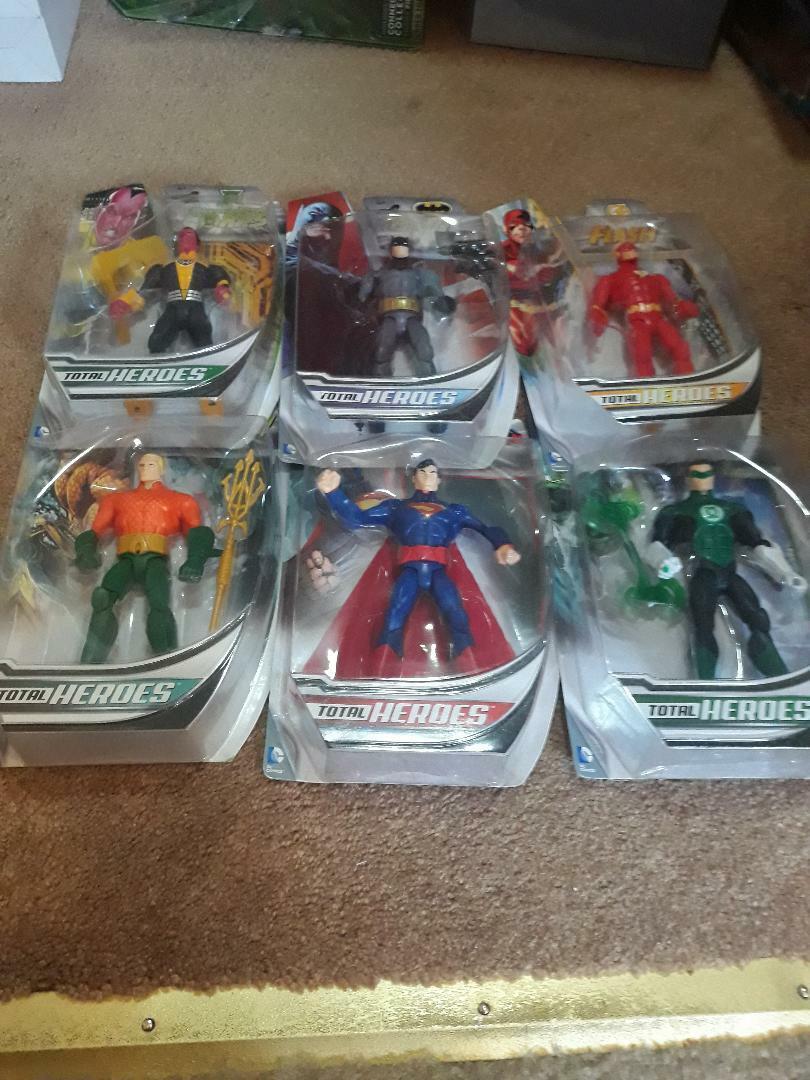 DC Total Heroes Set  Batuomo Beyond Wonder donna Superuomo Flash Riddler Lantern  miglior servizio