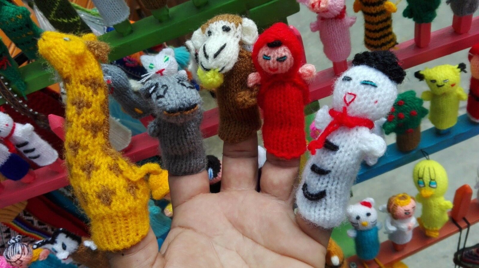 LOT OF 500 FINGER PUPPETS FROM PERU HANDKNITTED (FREE SHIPPING) WE HAVE STORE