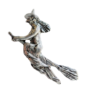 Witch-On-A-Broomstick-Halloween-Pewter-Pin-Badge-Hand-Made-in-Cornwall