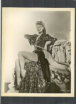 VERY SEXY GINGER ROGERS CHEESECAKE - RIDING A MERRY-GO-ROUND HORSE -  CHSK