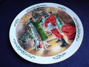 Royal-Doulton-Christmas-Plate-Family-Christmas-Dad-Plays-Santa-1991