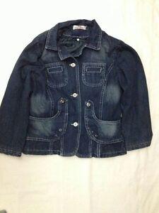Giubbotto-di-Jeans-imbottito-MG-taglia-12-anni-chiusura-a-bottoni-usato