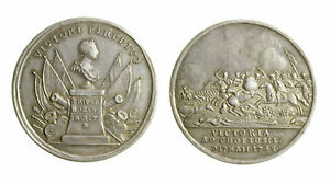 s296-1-Prussia-Federico-II-1740-1786-Medaglia-1742-vittoria-Chottusitz-mm-33-AG