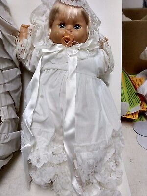 Generous Lloyderson Baby-doll Sommeil Yeux Sarah Vacances Robe Blanche En Panier Ds246 Invigorating Blood Circulation And Stopping Pains Poupées Mannequins, Mini