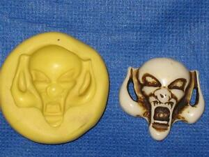 Gothic-Skull-Flexible-Push-Mold-Food-Safe-Silicone-967-Cake-Chocolate-Resin-Wax