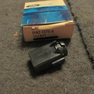NOS-1971-1972-1973-FORD-MUSTANG-AND-MACH-1-DASH-CLUSTER-LIGHT-BULB-SOCKET-ASBY