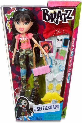 BRATZ Selfie Scatta Jade Bambola con accessori