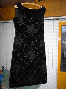 Gut Ausgebildete Samtkleid Schwarz Gr 38/40 100cm Lang Aus Den 50/60ern Sehr Gut Erhalten Modische Muster Kleidung & Accessoires Sonstige