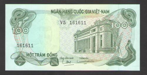 P 1969 VIETNAM SOUTH  100  DONG  N.D. Prefix : V5 26  About  Uncirculated