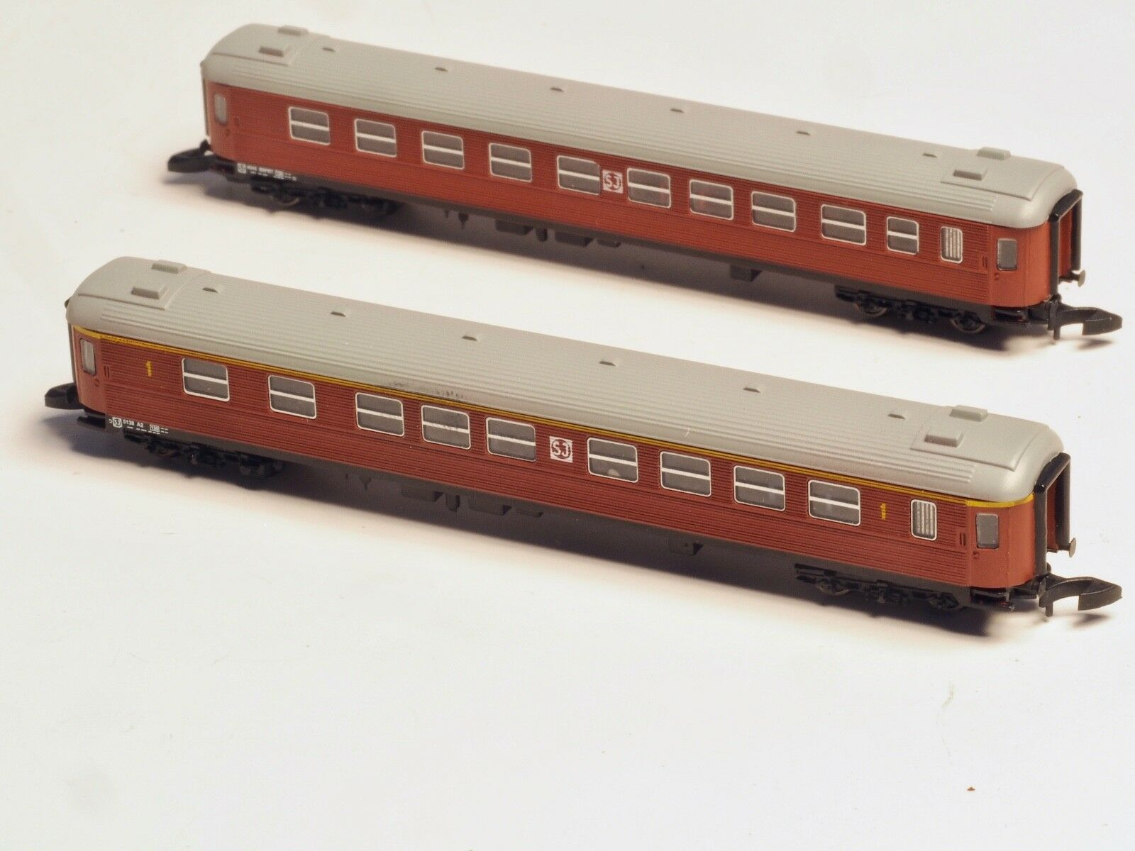 Due Fr Z-Scale Sj Litt B e una Passenger Cars 1st e 2nd Classe Svedese RR