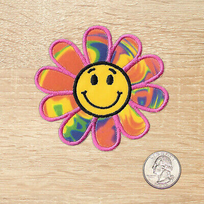 Flowers//Face Smiling Daisy Iron on Applique//Embroidered Patch PURPLE