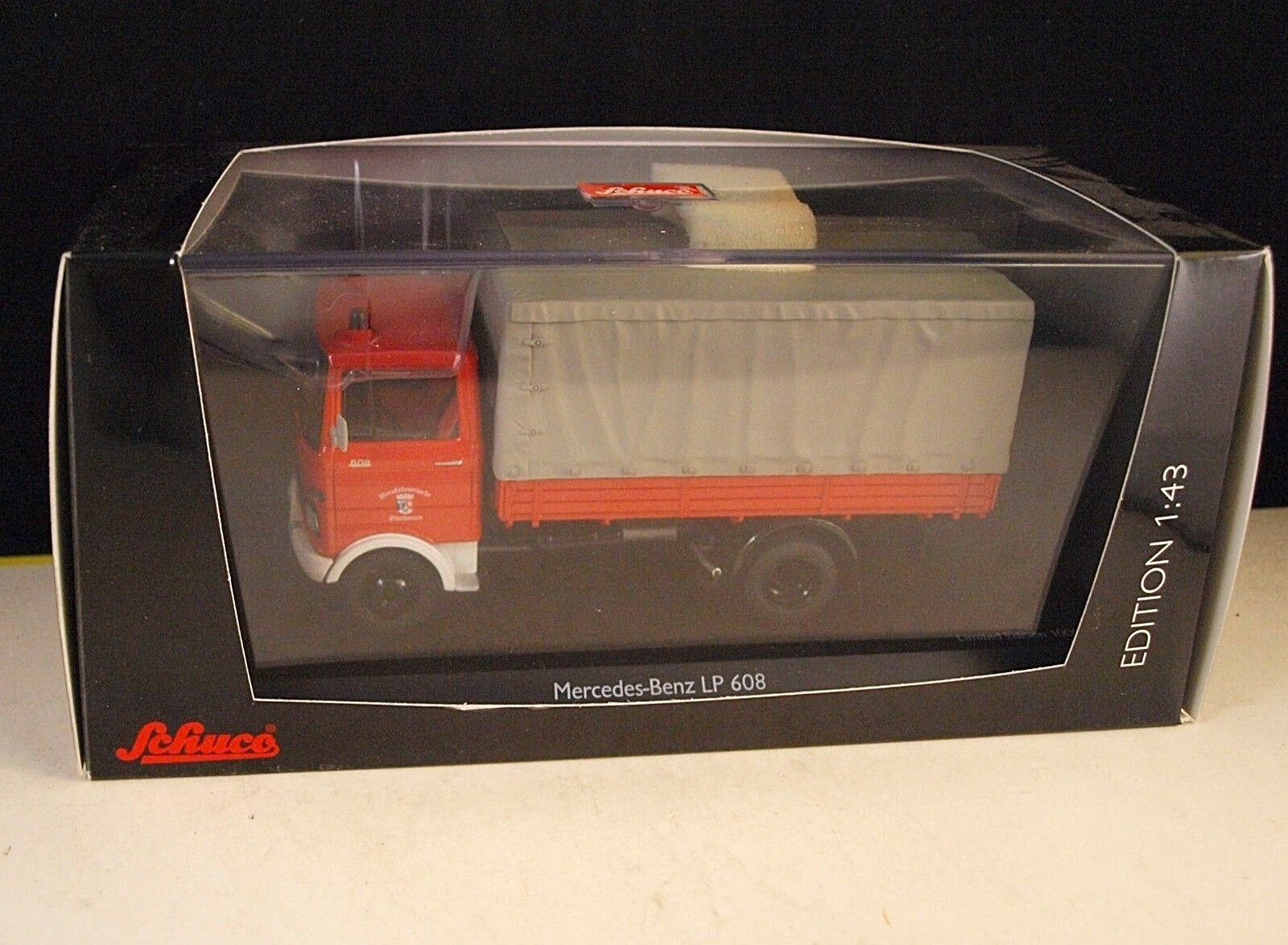 Schuco 03527 camion  Pompiers Mercedes Benz LP608 Oberhausen neuf 1 43 rare