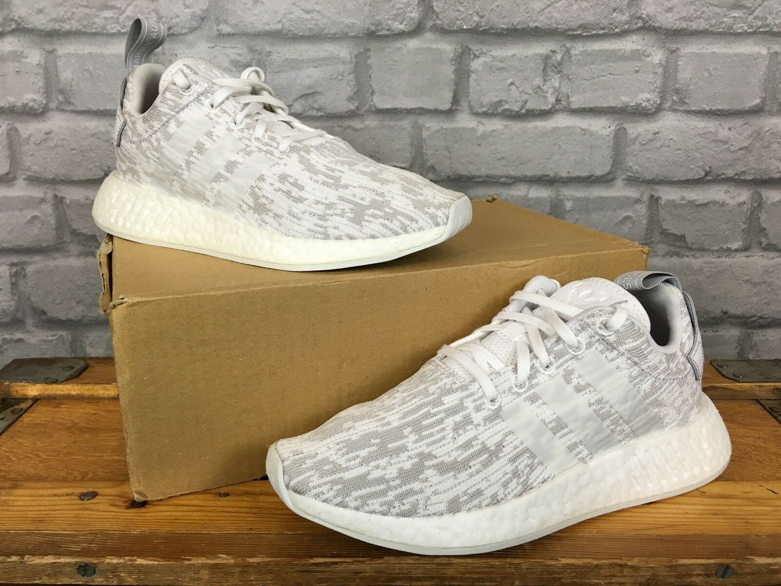 ADIDAS LADIES UK 40 6.5 EU 40 UK Weiß GREY NMD R2 PRIMEKNIT BOOST TRAINERS 2b6adf