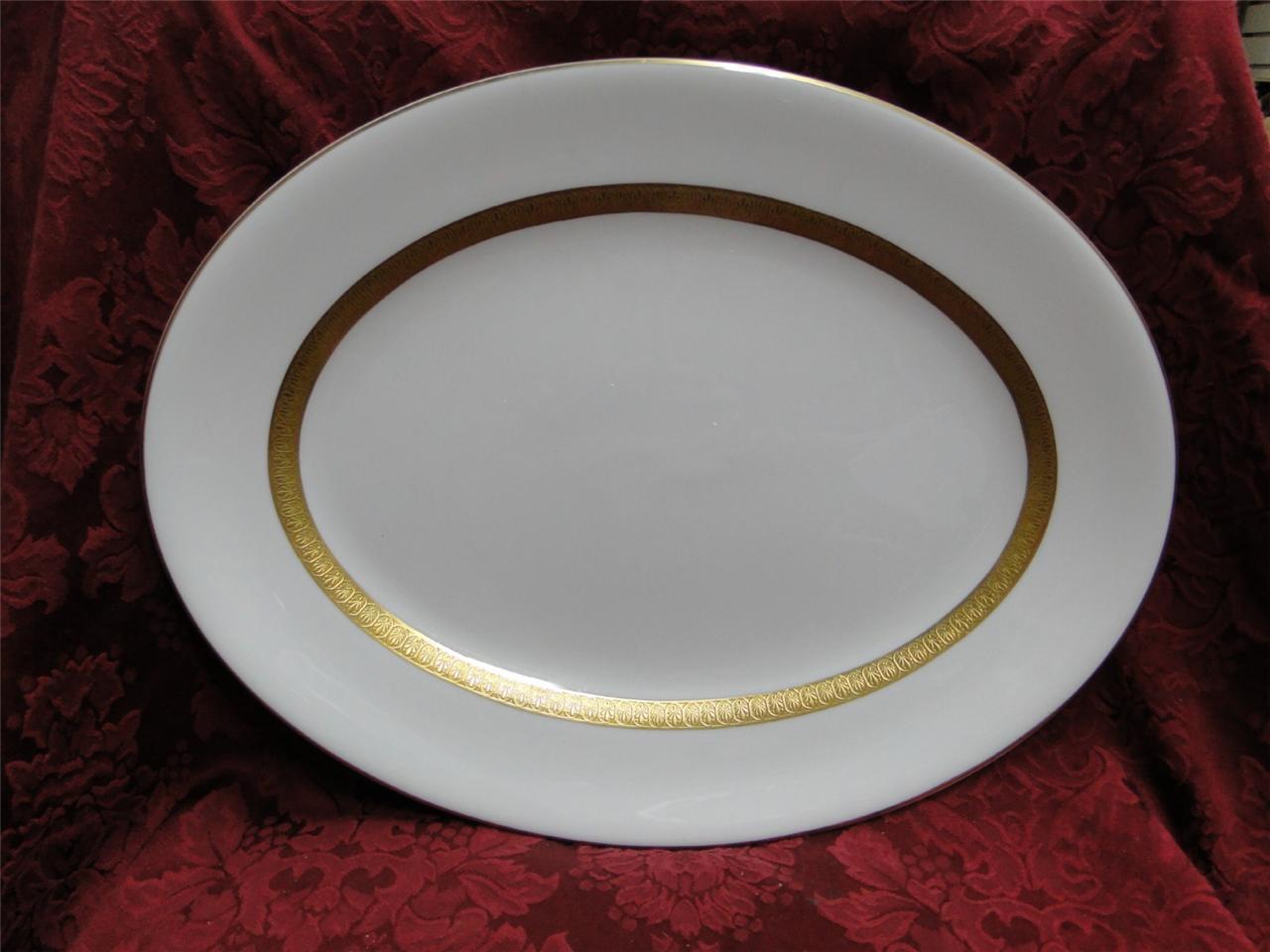 Wedgwood Adelphi, blanc w  or Encrusted Verge  Platter, 16